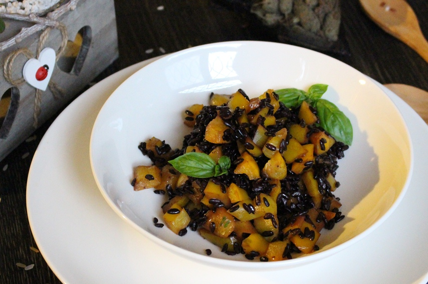 Venus rice with yellow pepper: how to cook it