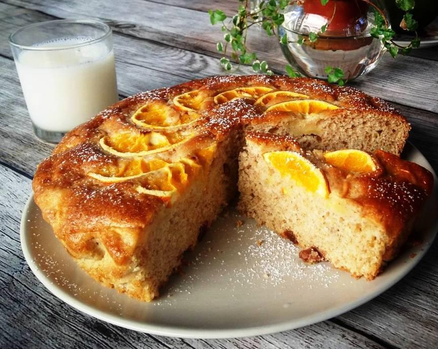 Orange Cake ~ A delicious vegan cake with orange jam